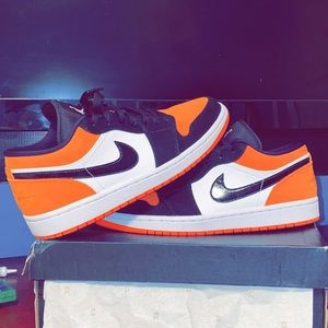 Selling low shattered backboards (worn 2 times)